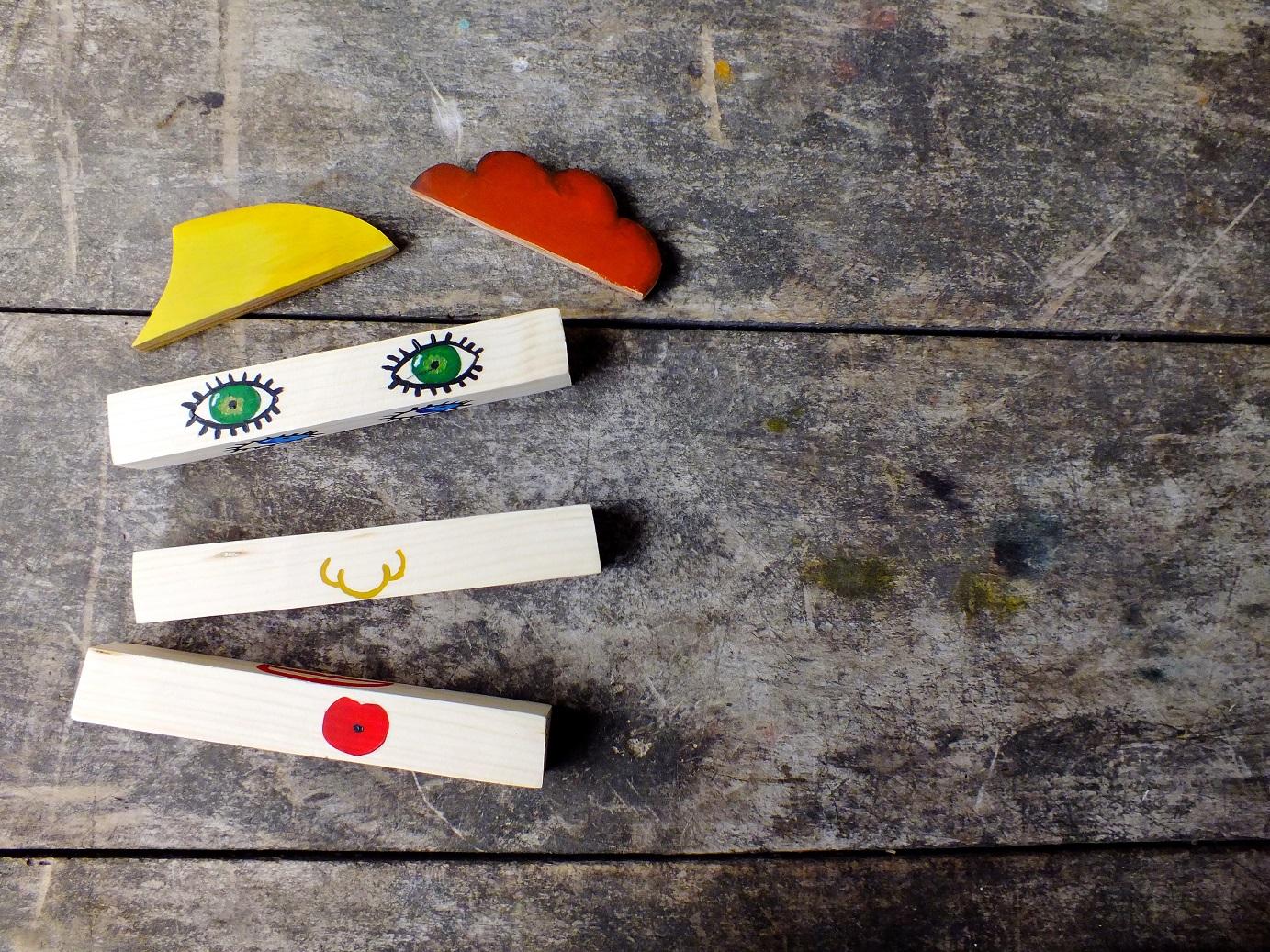 Drewniane klocki – zabawa z emocjami